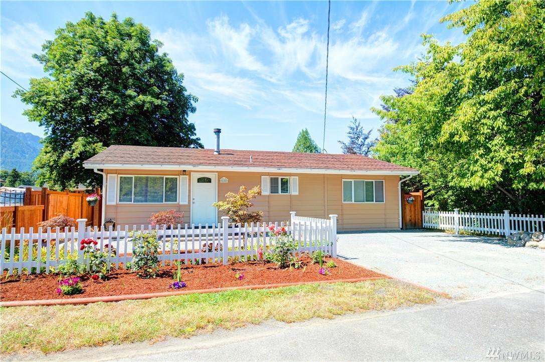 625 Givens Ave, Darrington, WA 98241