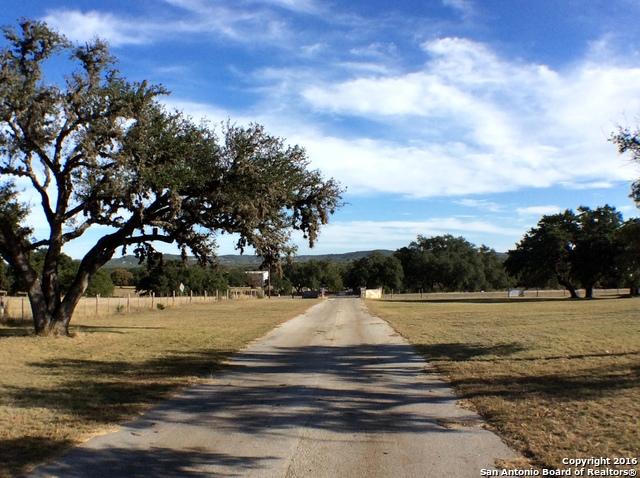 2534 FM 1283, Pipe Creek, TX 78063