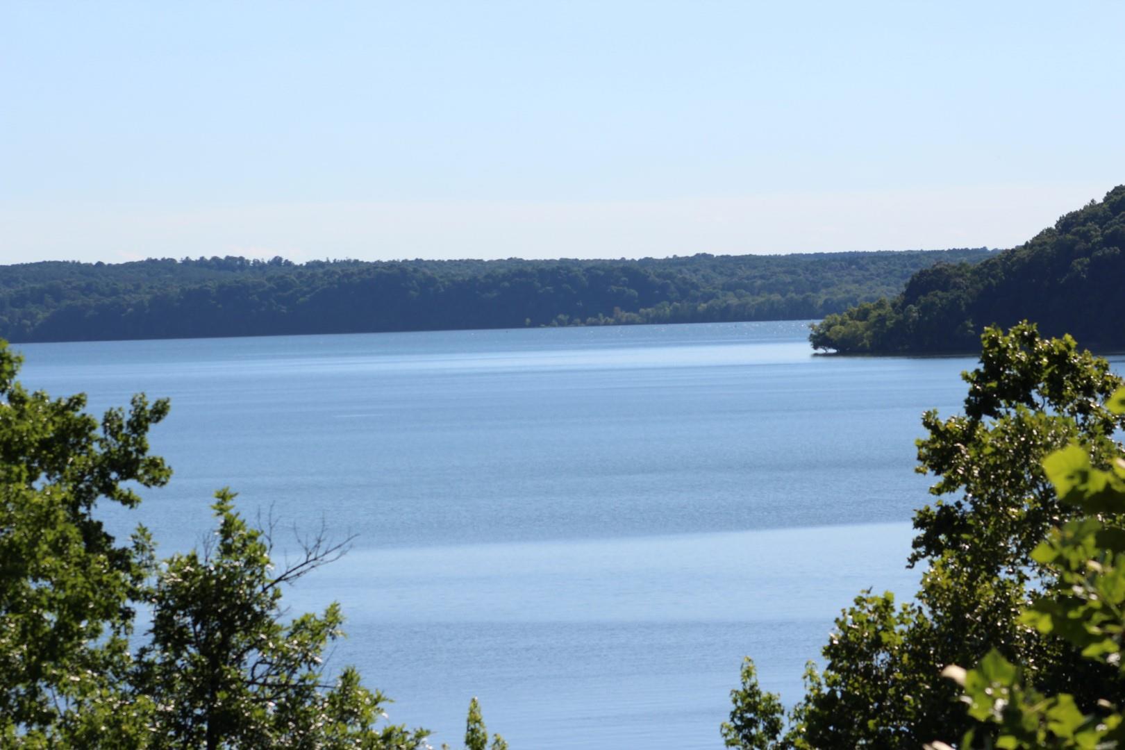 1059 Point of View, Stewart, TN 37175
