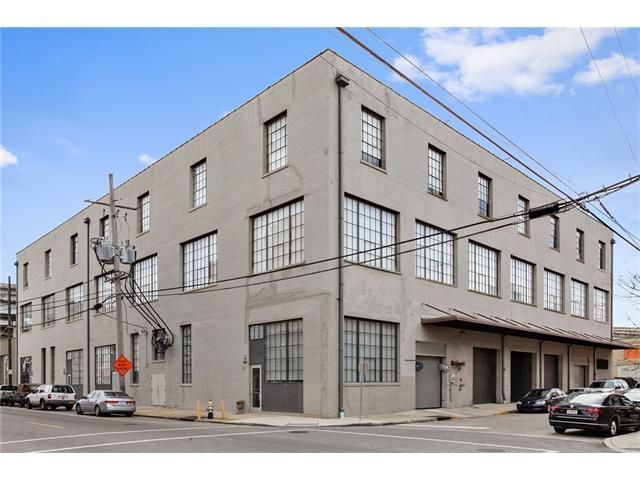 610 JOHN CHURCHILL CHASE Street L14, New Orleans, LA 70130