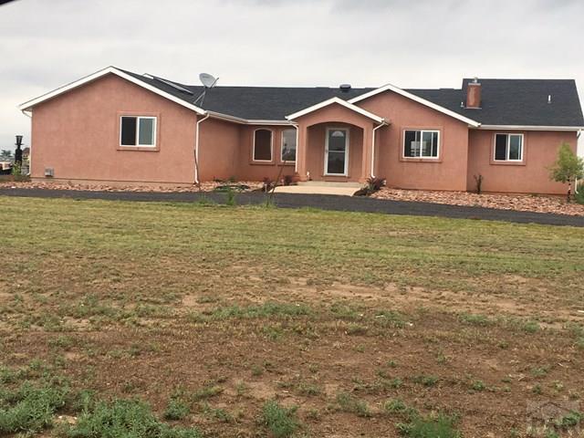 446 N Glendevey Dr, Pueblo West, CO 81007