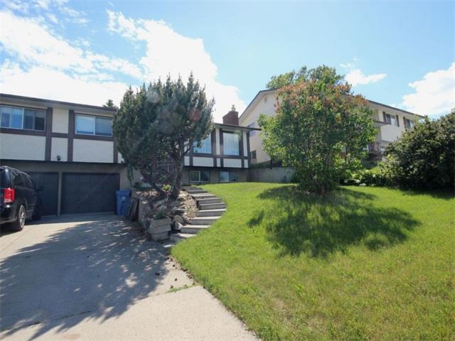607 63 Avenue NW, Calgary, AB T2K 5L3