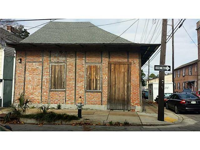 2633 CHARTRES Street, New Orleans, LA 70117