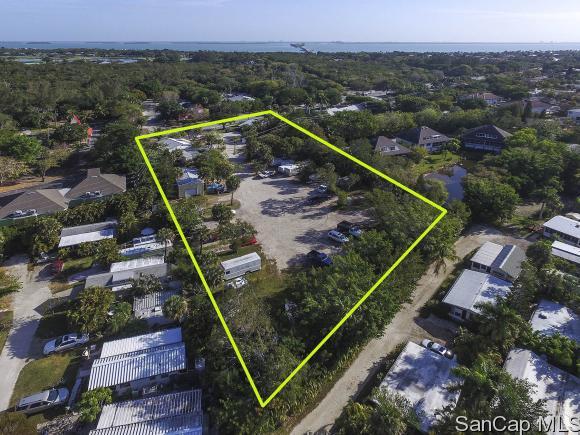 1037/1039 Periwinkle Way - Bait Box, Sanibel, FL 33957