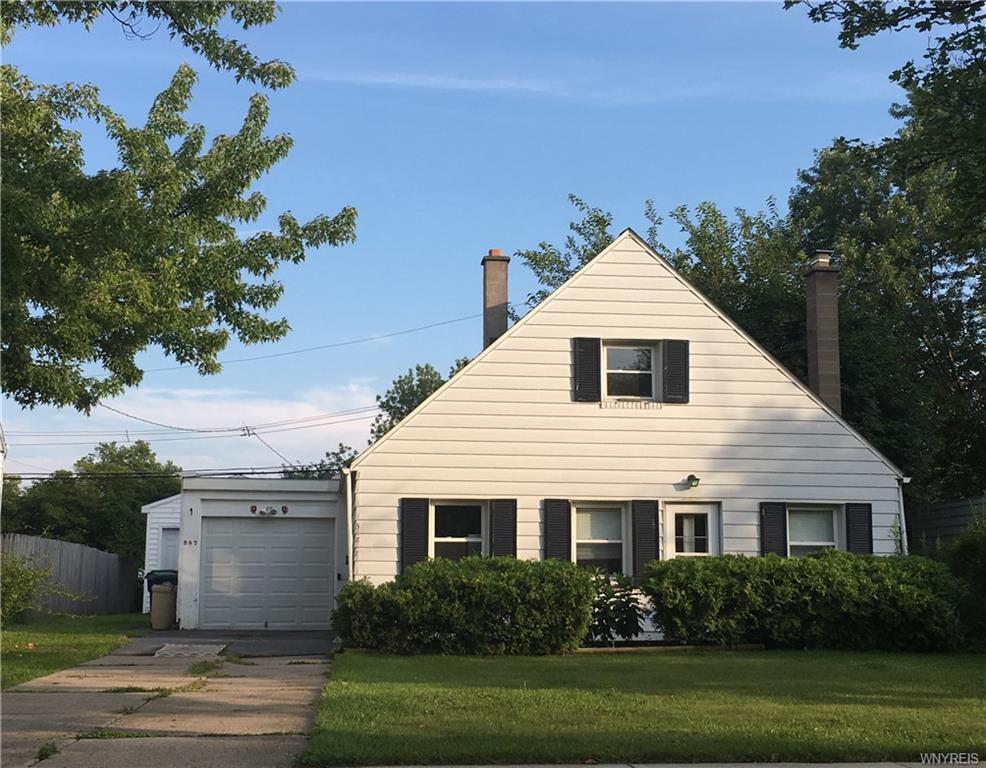 587 Emerson Dr, Amherst, NY 14226