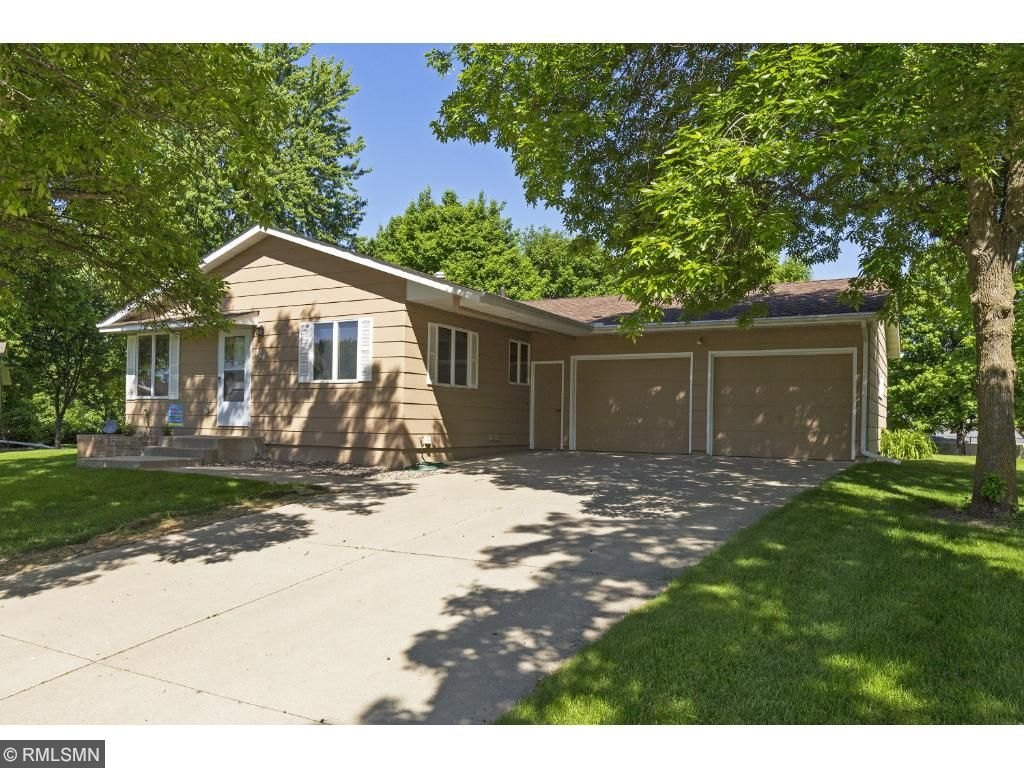124 Hilltop Circle, Norwood Young America, MN 55397