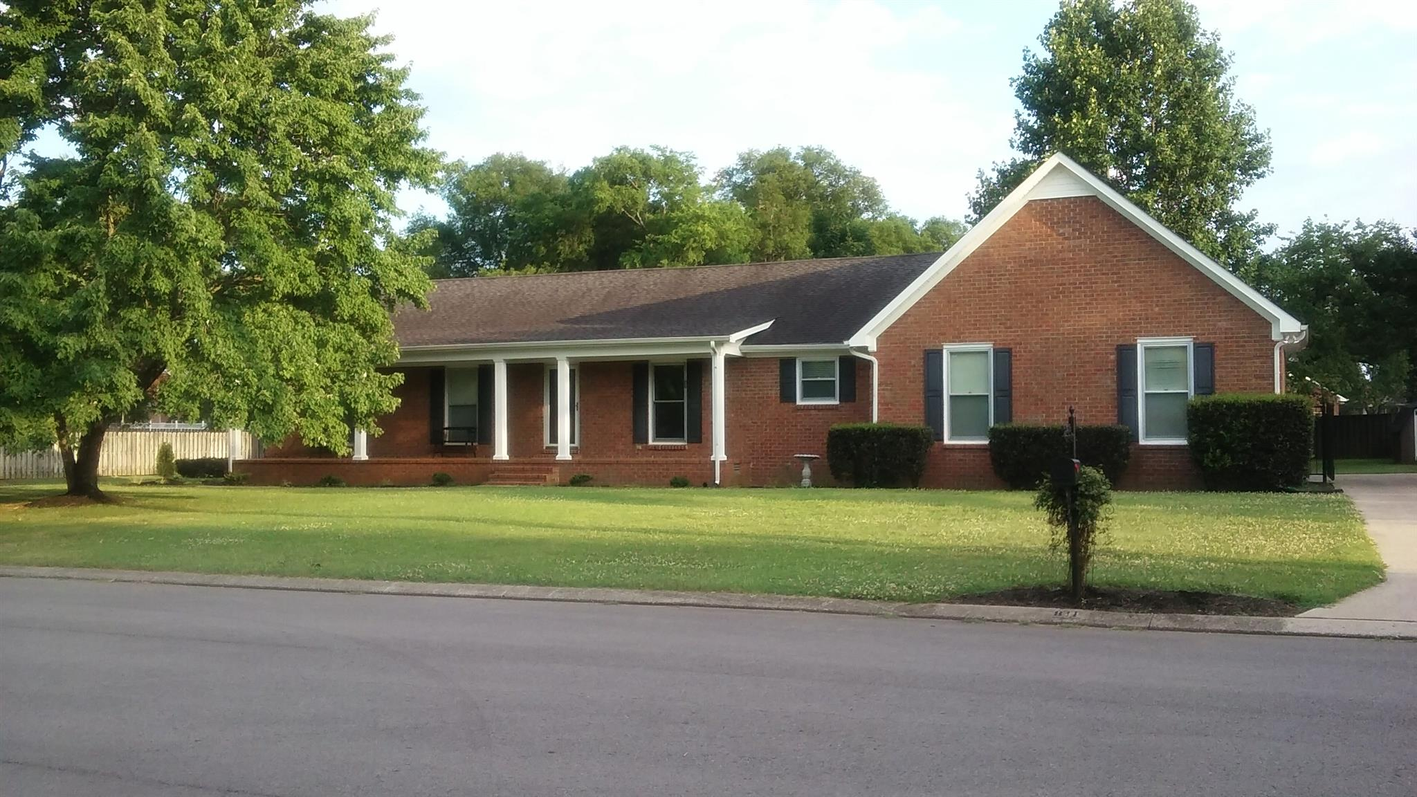 811 Banner Dr, Murfreesboro, TN 37129