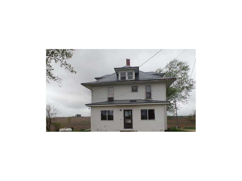 10264 136th Avenue, Center Junction, IA 52212