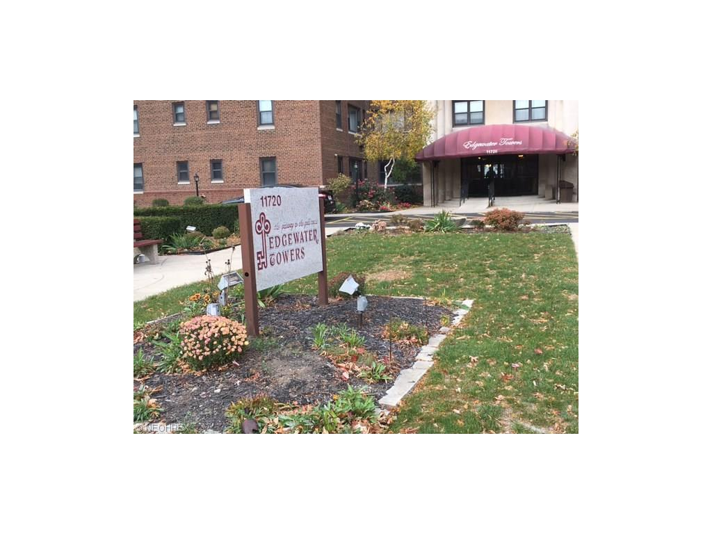 11720 Edgewater Dr 514, Lakewood, OH 44107