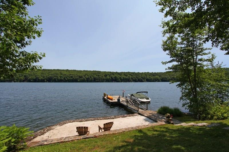 52 Sail Harbour Drive, New Fairfield, CT 06812