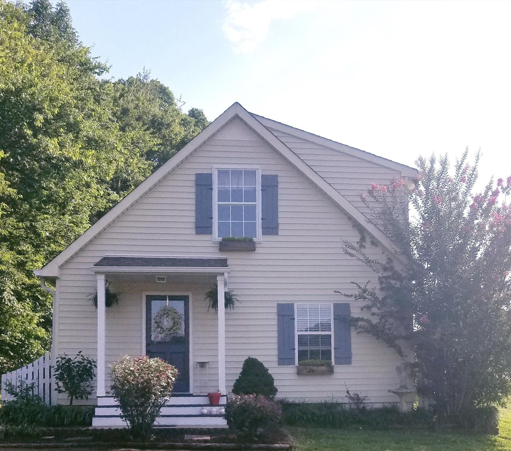 425 Poplar Ridge Rd, Chapmansboro, TN 37035