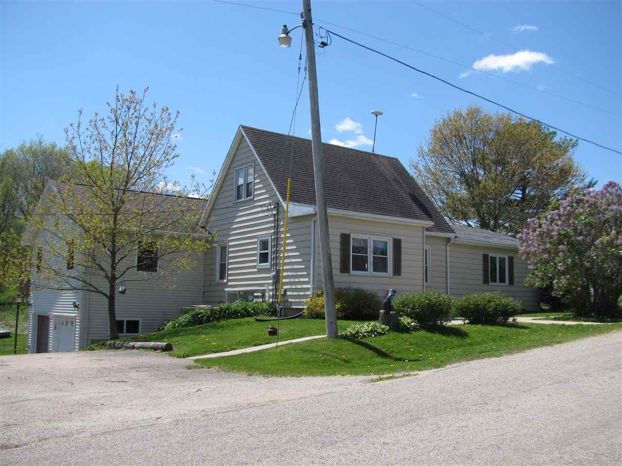 9411 E Walnut Grove Rd., DAVIS, IL 61019