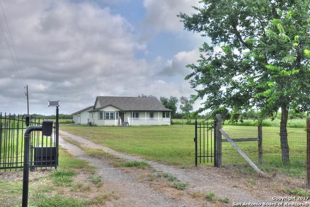 1000 Lower Seguin Rd, Marion, TX 78124