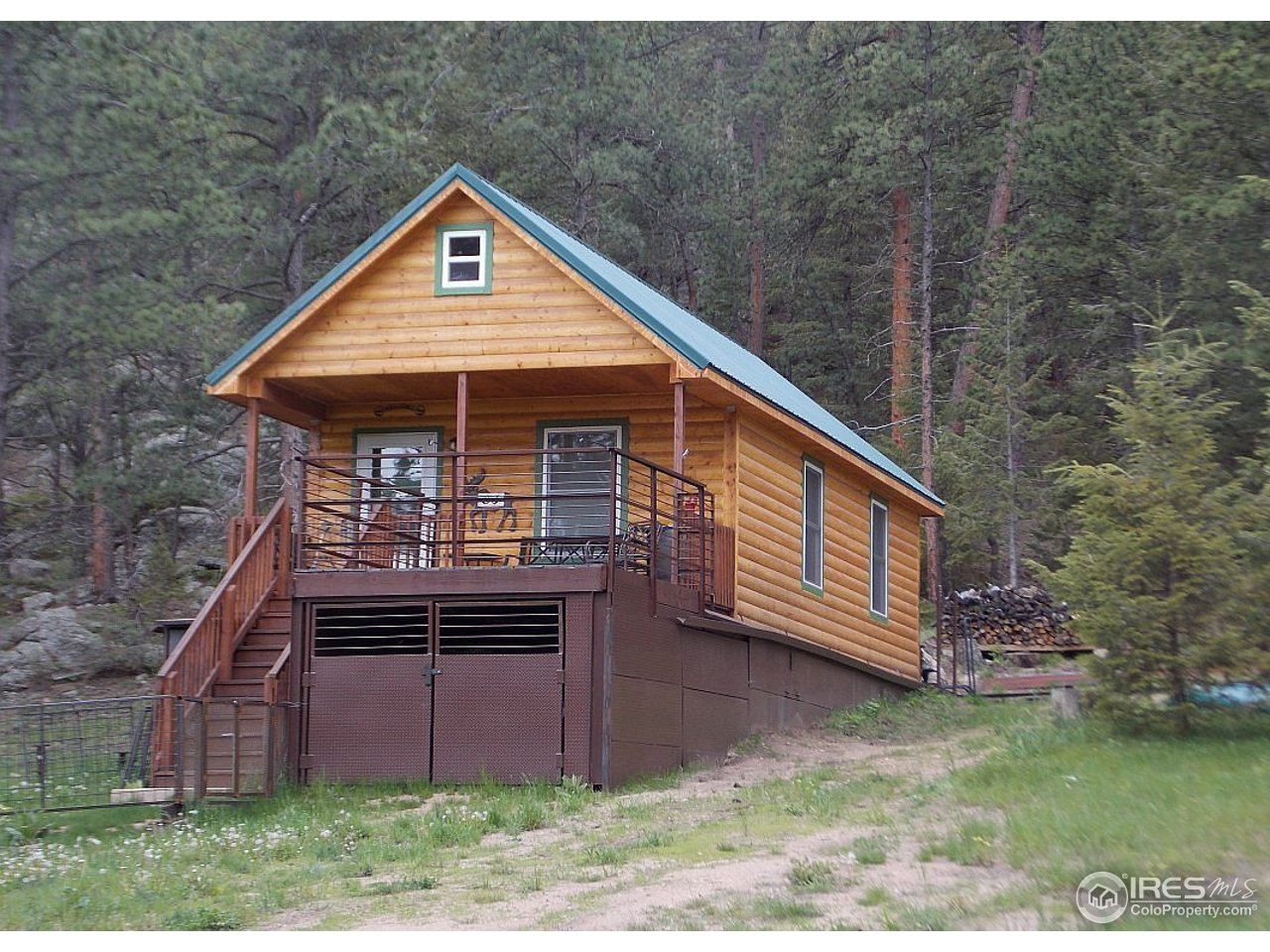 83 Cedar Dr, Lyons, CO 80540