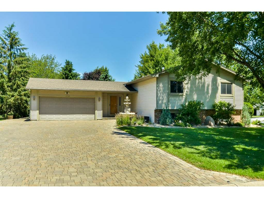 10484 Maple Valley Drive, Maple Grove, MN 55369