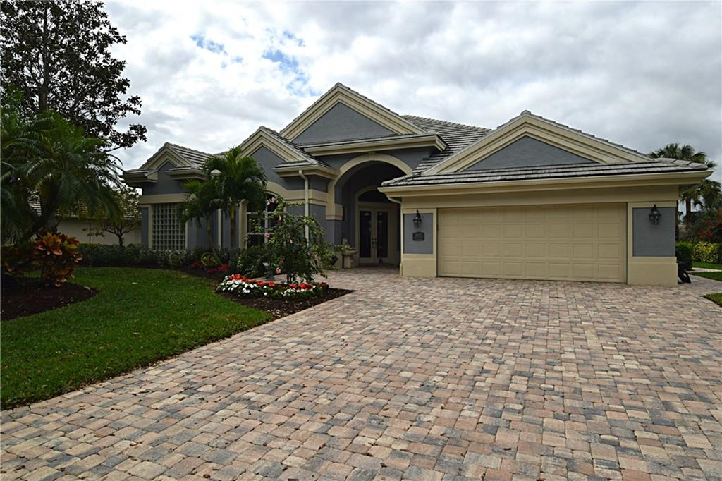 5622 SE FOREST GLADE Trail, Hobe Sound, FL 33455