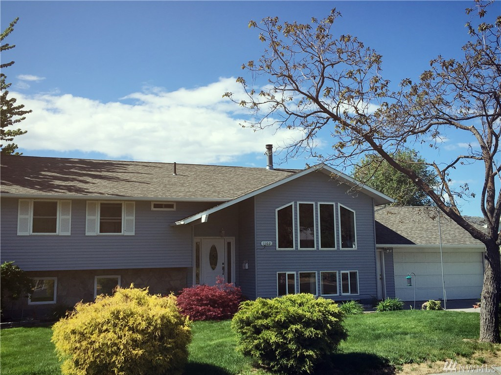 1102 River Dr, Coulee Dam, WA 99116