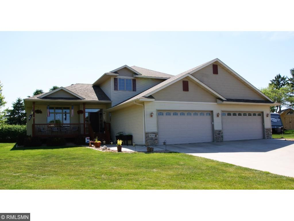 828 Green Acre Court, Belle Plaine, MN 56011