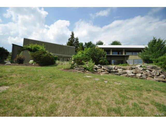 4670 Overlook Road, North Whitehall Twp, PA 18037