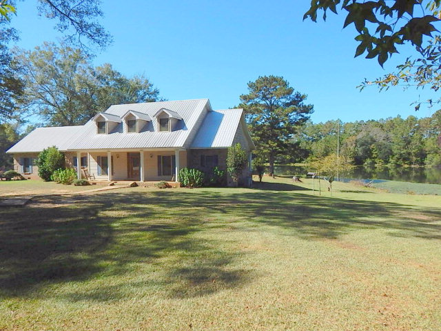 70 Bill Barber Road, Carriere, MS 39426