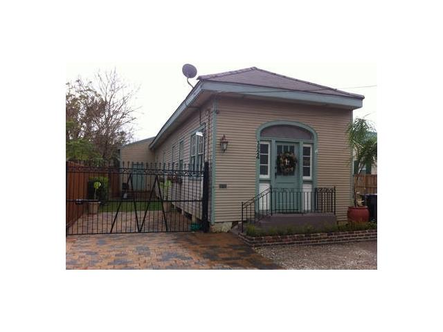 3924 ANNUNCIATION Street, New Orleans, LA 70115