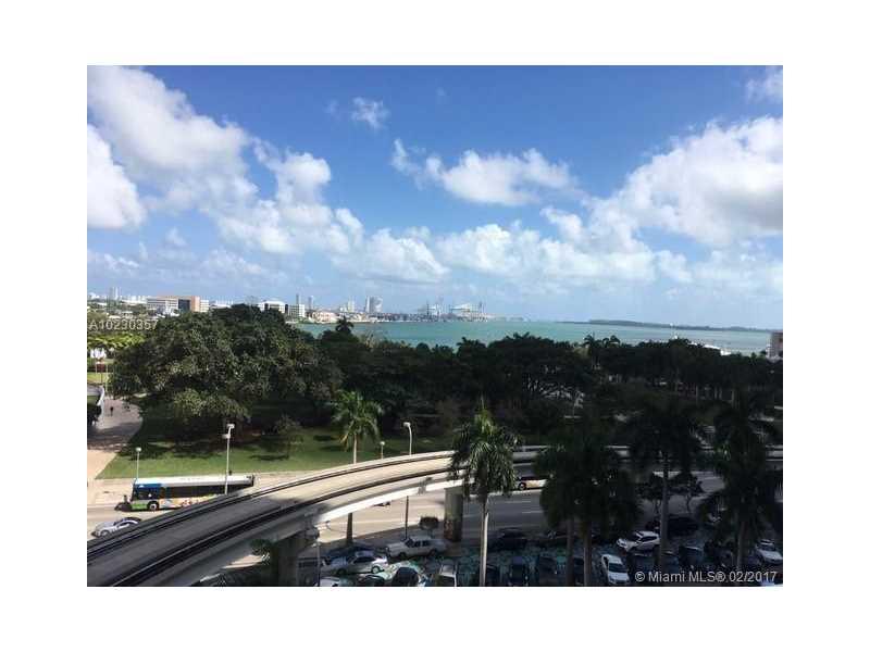 50 Biscayne Blvd 702, Miami, FL 33132