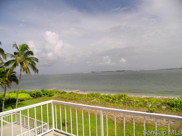 200 Periwinkle Way 327, Sanibel, FL 33957