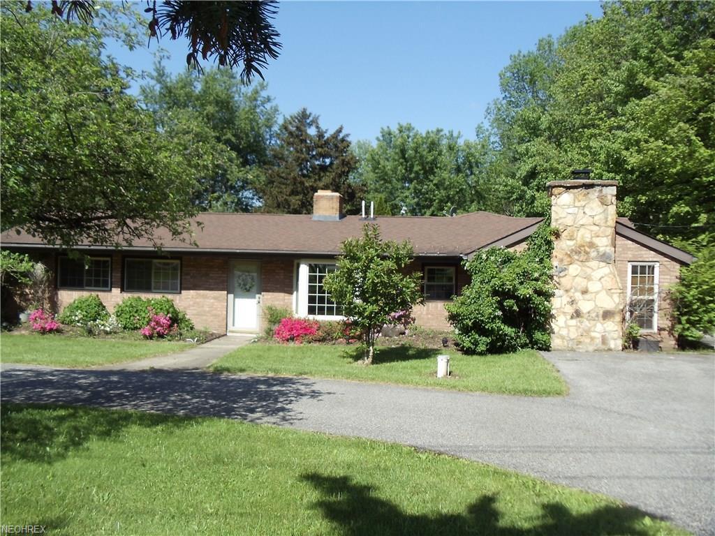 10582 Auburn Rd, Chardon, OH 44024