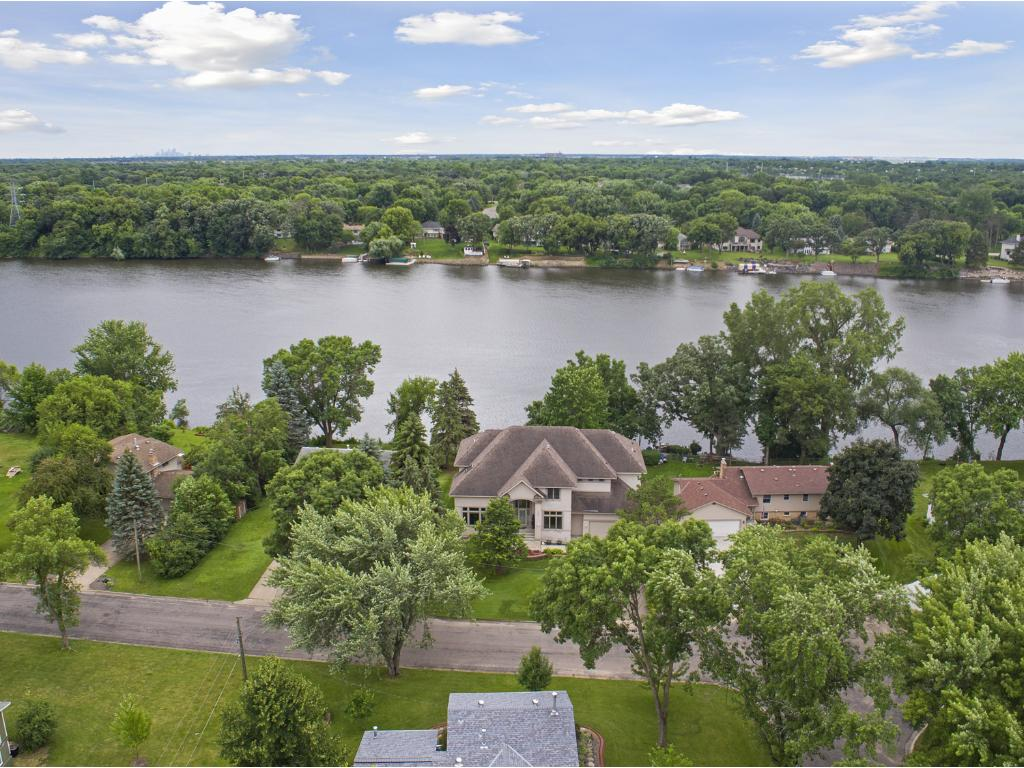 3864 114th Lane NW, Coon Rapids, MN 55433