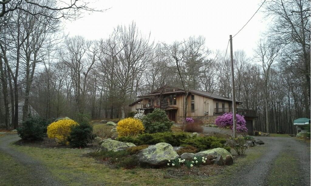 176 Woodville RD, Hopkinton, RI 02804