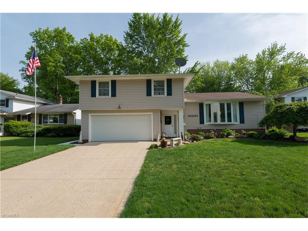 30223 Chatham Point Dr, Bay Village, OH 44140