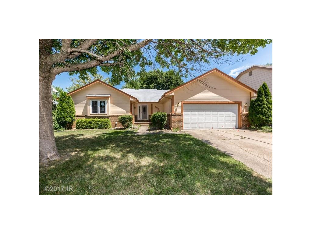 1409 90th Court, Clive, IA 50325