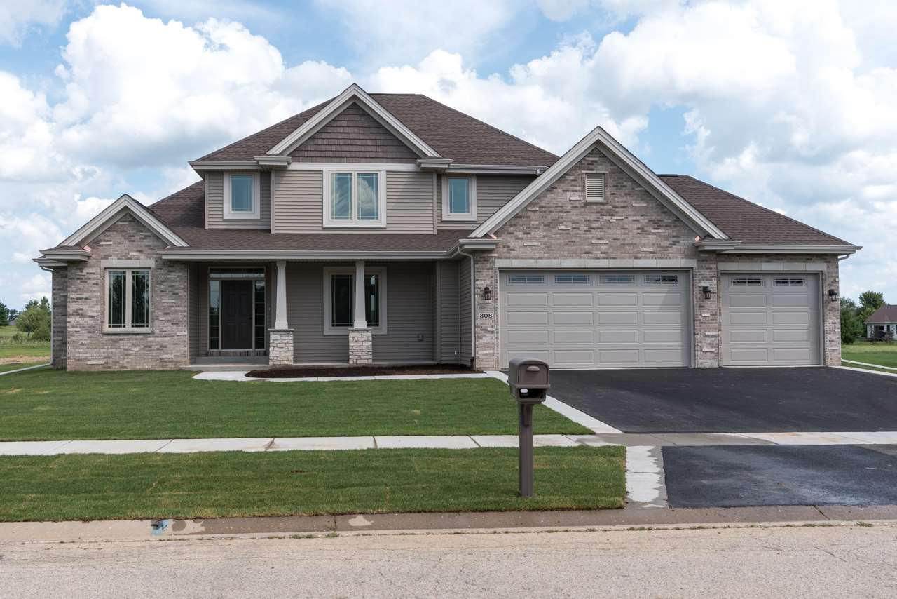 308 Club House Dr, CHERRY VALLEY, IL 61016