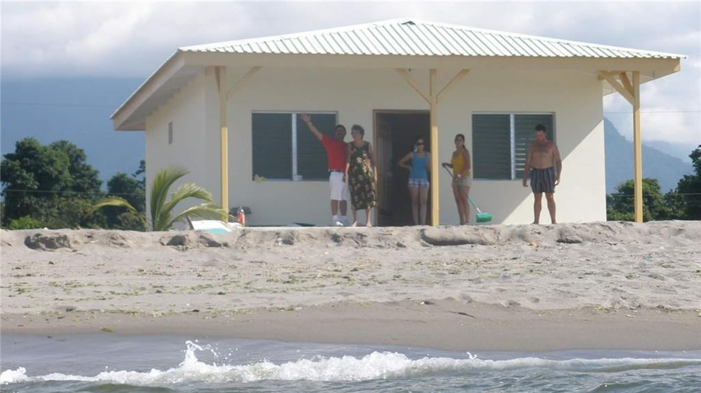 Coco Pando Village is a Planned Development on the Caribbean Coast of La Ceiba, Honduras. 24 total planned bungalows with modern day conveniences (19 lots left). **Owner can customized plans to fit your every need. Bungalows starting at $60K. Community offers full concierge service from shuttling you into town to maid/laundry service.