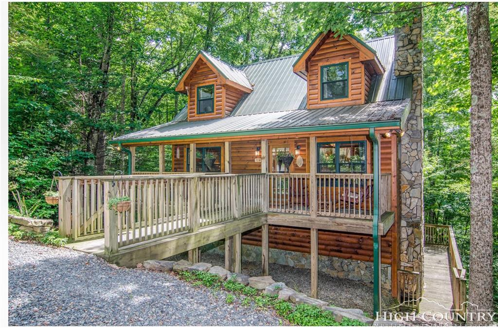 Boone nc log cabins 200 000 249 999 for Boone cabins for sale