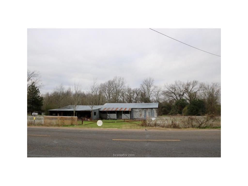 1001 N La Salle Street, Navasota, TX 77868