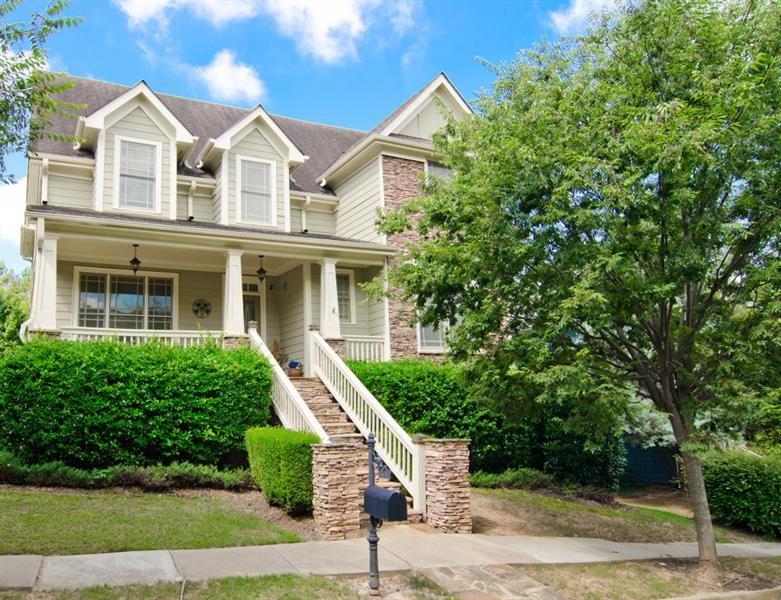 1617 NW Gilstrap Lane, Atlanta, GA 30318