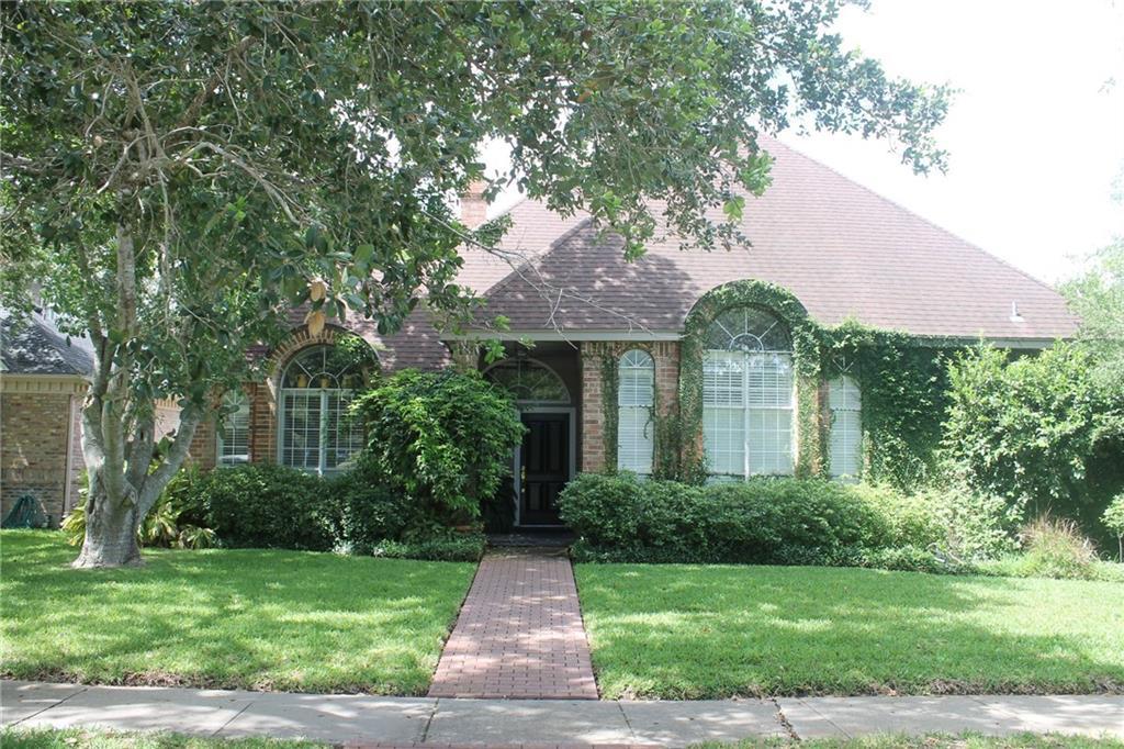 4621 Schwerin Lake Dr, Corpus Christi, TX 78413