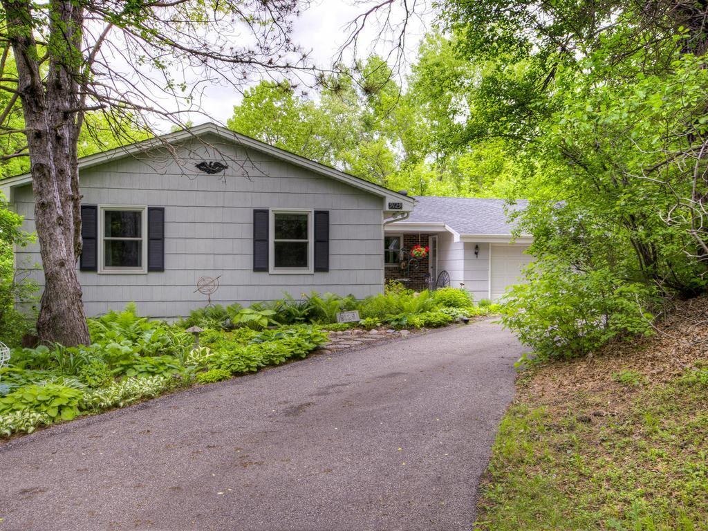 9129 Forest Hills Circle, Bloomington, MN 55437