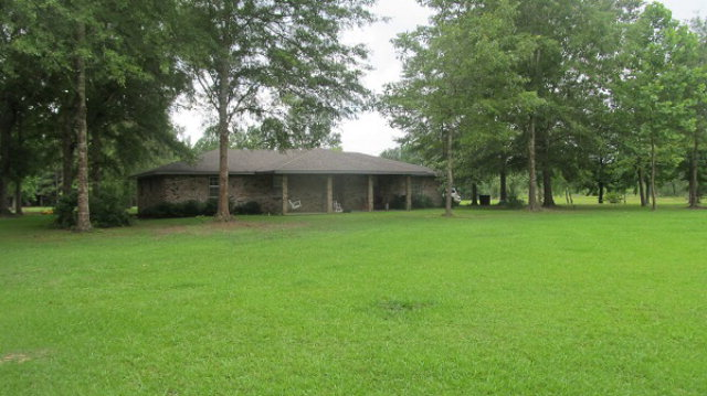 1065 Duckworth Rd, Wesson, MS 39191