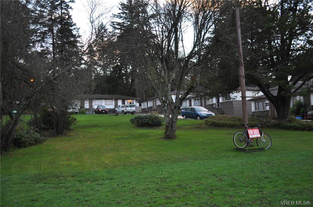 339-345 Island Hwy, Victoria, BC V9B 1G9