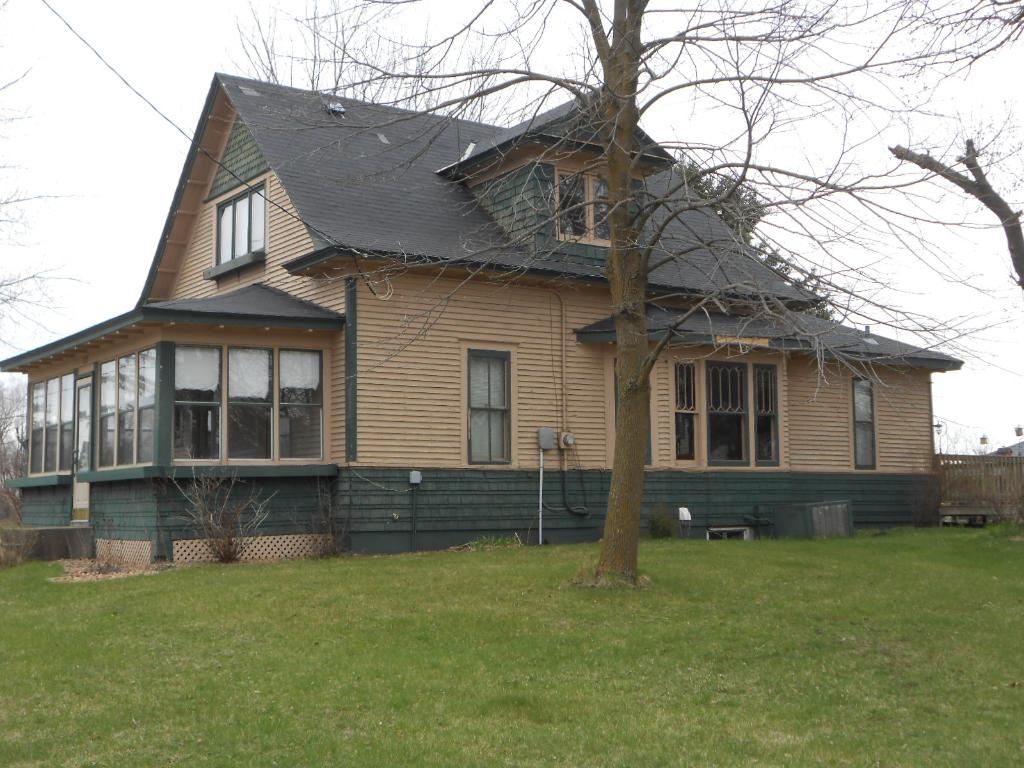 213 N Main Street, Upsala, MN 56384