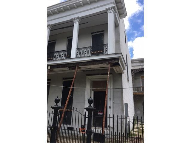 1717 COLISEUM Street, New Orleans, LA 70130