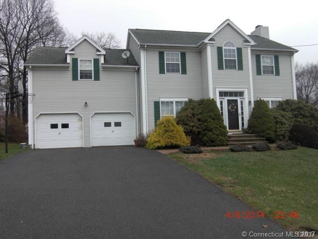 65 Franklin Ave, Derby, CT 06418