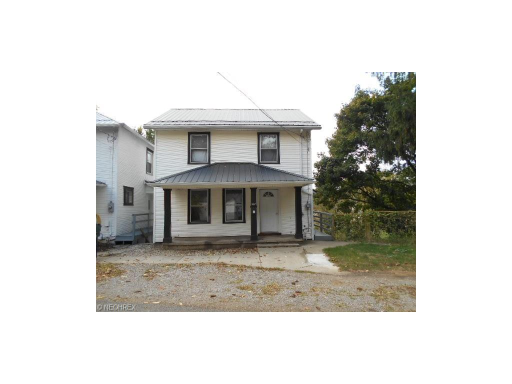 337 Pine St, Coshocton, OH 43812