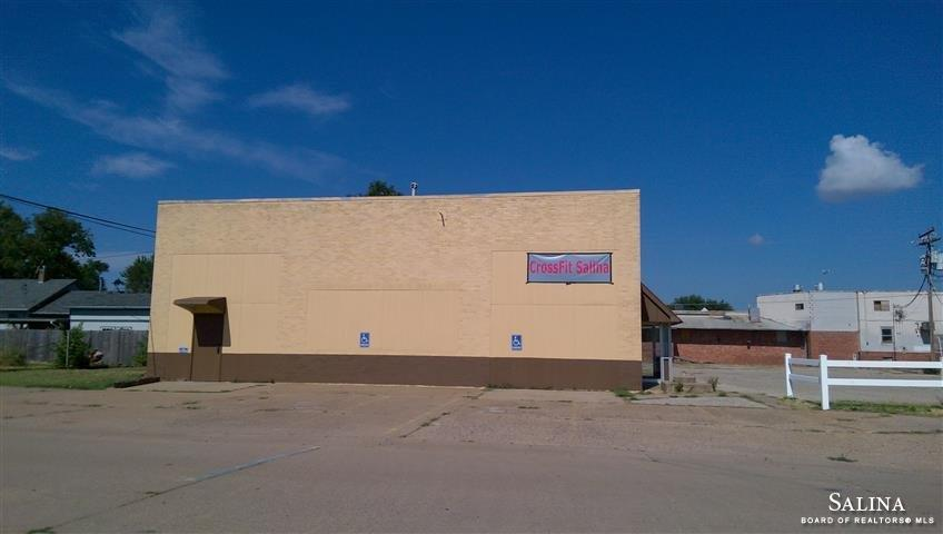 713 N 11 TH Street, Salina, KS 67401
