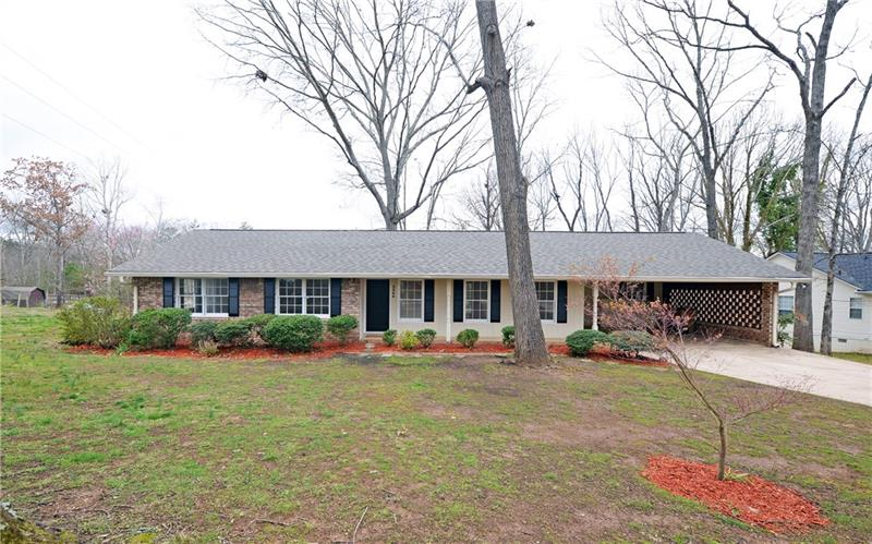 New on Market! North Hall/Mt. Vernon Schools. Close to City without City Taxes! Fabulous 3/2 updated Brick Ranch with Built Ins, Sunroom, Granite Countertops, New Paint, New Carpet, New Lighting/Plumbing Fixtures, New Stainless Appliances, and New Deck. Spotless with Spacious Rooms, Great use of Space, Plenty of Storage, and Move-In Ready. Do Not Miss This Well-Maintained Jewel.
