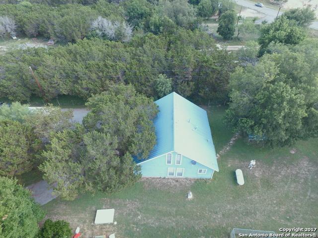 122 TUSHAUS, Lakehills, TX 78063