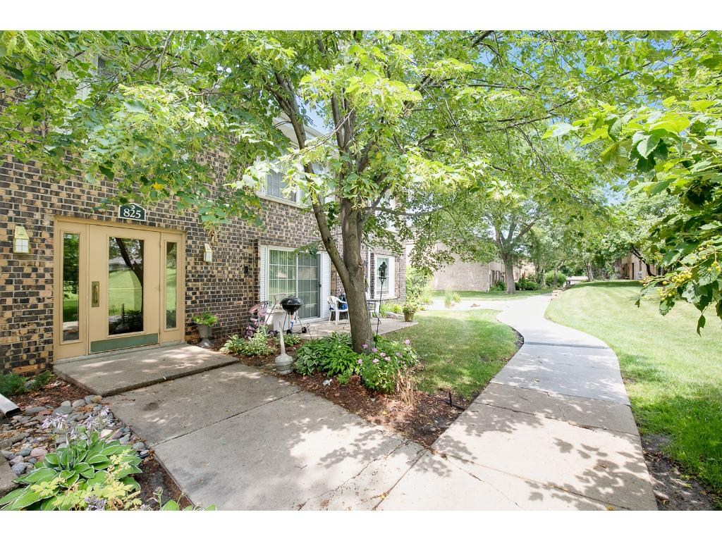 825 Old Settlers Trail 7, Hopkins, MN 55343