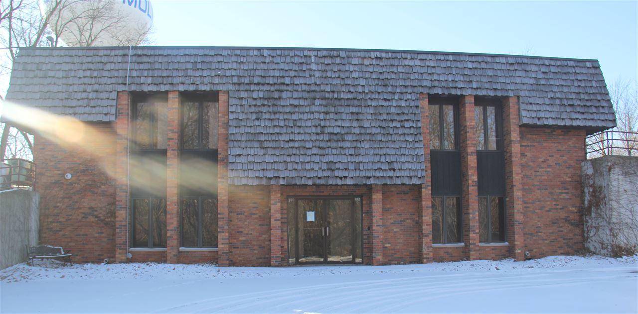 1302 7TH Street, Moline, IL 61265